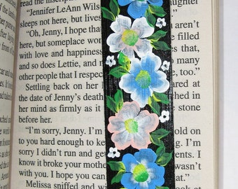 Hand-painted Magnetic Bookmark - Blue, Pink and White Flowers - No. 1157