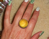 yellow DAISY pressed flower bubble resin ring