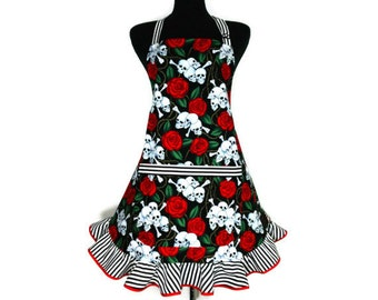 Skulls and Roses Apron, Goth Kitchen Decor with Black and White Striped Ruffle / Day of the Dead / Día de los Muertos
