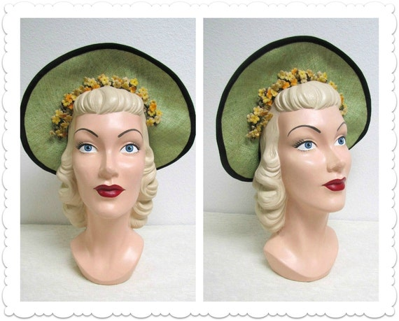 1930s 1940s Green Straw Hat - Black Bow and Yellow Flowers