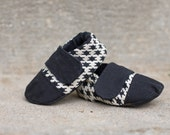 Tiny Toes Soft Shoes PDF sewing pattern. 4 Shoes in 1. Boy, Girl, Unisex. Size 0-24 Months