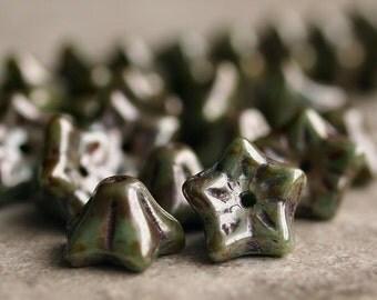 Juniper Picasso Czech Glass Bead 9x6mm Bell Flower - 20