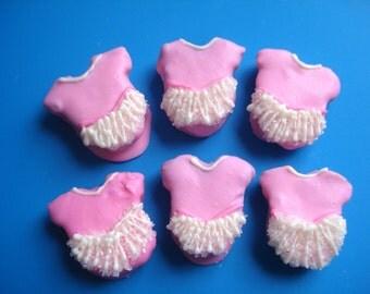 Cake Balls: Dancer TuTu Cake Bitty Bites. Perfect gift for dance teachers, dance recitals, and baby showers!