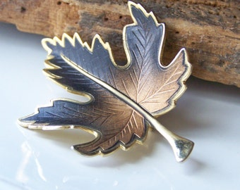 REDUCED Realistic Vintage Sugar Maple Leaf, Leaf Pin, Leaf Brooch, Maple Leaf Brooch, Sugar Maple Pin, Etsy Jewelry, Costume Jewelry