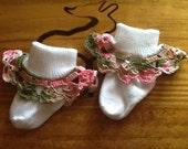 Girl Socks with crochet ruffles - white with pink camo ruffle