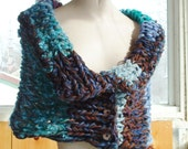 Chunky knit cowl scarf wrap buttoned capelet shawl one size for women
