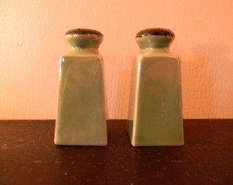 Vintage . Seafoam Green  ..  Porcelain Lustreware Salt / Pepper - Union T - Czecho-Slovakla