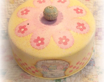 """E Pattern - Martha Smalley's Apple Tree Cottage Designs - """"Spring Sugar Cookies Cake Cover"""""""