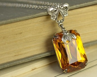Amber jewel bee necklace vintage style victorian