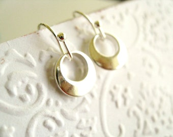 Silver earrings Geometric Circle jewelry Bridesmaid gift for her Under 30 Vitrine