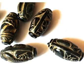 6 VINTAGE beads, large black etched gold linning 27mmX14mm