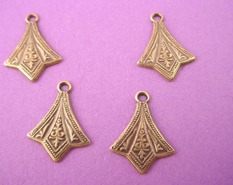6 brass ox art nouveau pointed charms 15mm