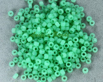 8/0 Round TOHO Japan Glass Seed Beads #144F-Ceylon Frosted Celery 15g