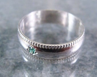 Sterling Silver Ring with Bright Green Cubic Zirconium Size 8 1/2