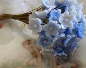 4 10mm Vintage Glass Blue/White Flower Headpins