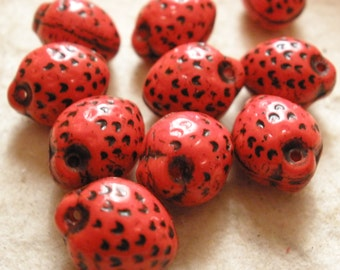 Vintage Glass Beads (6) Dangle Strawberry Beads