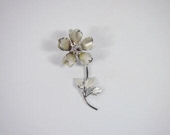 Flower Silver Tone Brooch 60s Vintage Jewelry