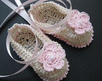 Baby Girl Booties with Flowers Infant Crib Shoes Baptismal Crochet Newborn Booties Handmade Christening Baby Booties Knit Reborn Doll Shoes