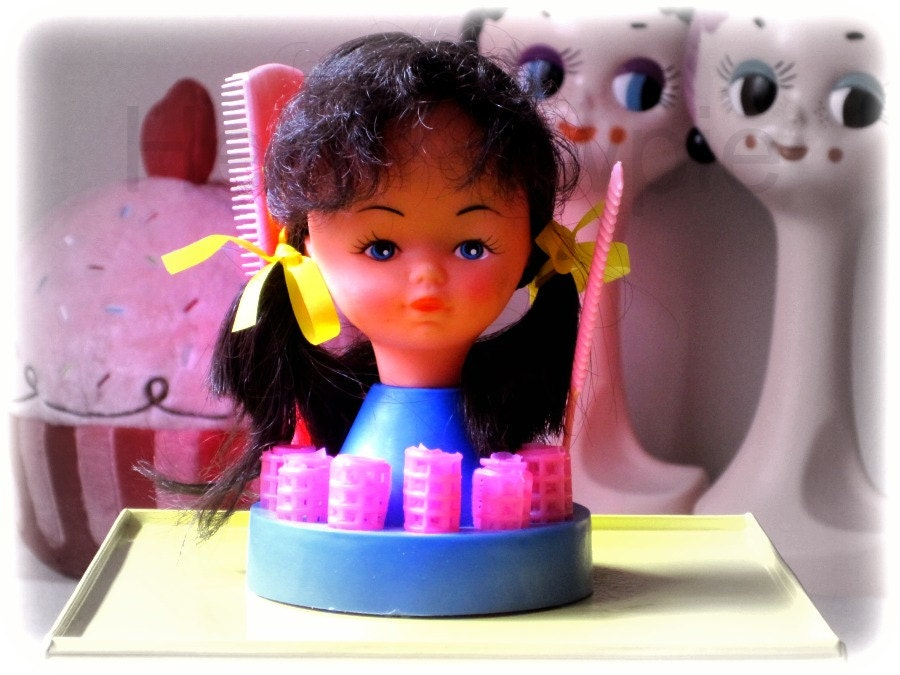 Doll Head Hair Styling: Vintage 1960s Hair Styling Doll Head Set