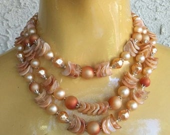 SALE...Vintage 40s 50s Chunky 3 Strand Adjustable Necklace...Choker....Lovely Peach Tones