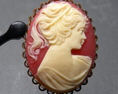 Vintage Cameo in Gold Plated Setting Hair Barrett - 43x34mm
