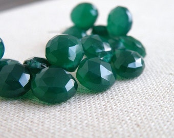 Green Onyx Gemstone Briolette Faceted Heart Emerald Green 9 to 9.5mm 1/2 Strand 19 beads