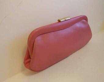 1960s purse / Andrew Geller Vintage 60's Pink Mod Clutch Bag