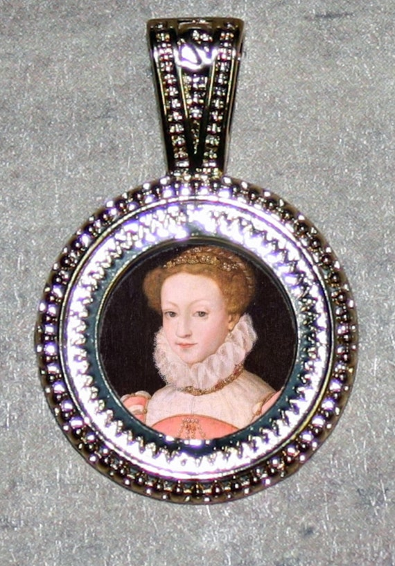 Mary Queen of Scots Pendant