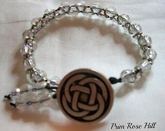 DIABETES ALERT Irish Celtic Knot bead BUTTON Bracelet boho stackable