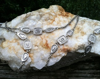 Vintage Long Silver tone Chain NECKLACE with squiggles