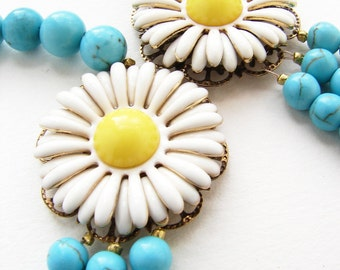 Statement necklace, Daisy Bib necklace, Vintage enamel yellow white daisy brooch turquoise OOAK statement necklace