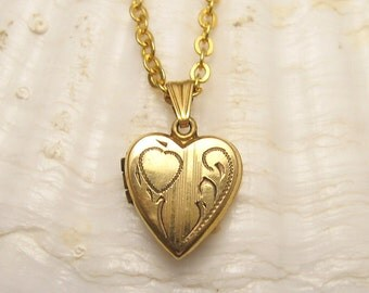 Vintage Heart Necklace Locket Petite N5103