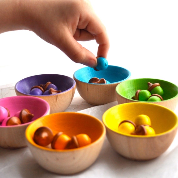 Back to School / Rainbow Sorting  Tiny Acorns, Educational Toy / Waldorf Wooden Toy / Montessori Toy