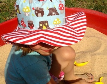 Organic sun hat with wide brim, birds and flowers, red and white stripes, reversible
