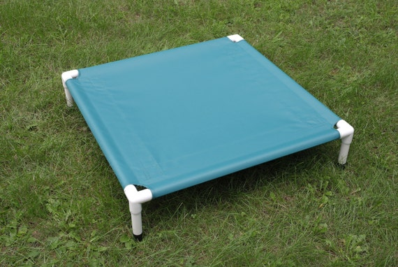 Outside dog bed raised pvc cot square raised by for Pvc cat bed