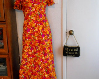 Reduced1960s FLOWER POWER MAXIDRESS Bright Mod Psychedelic Floral
