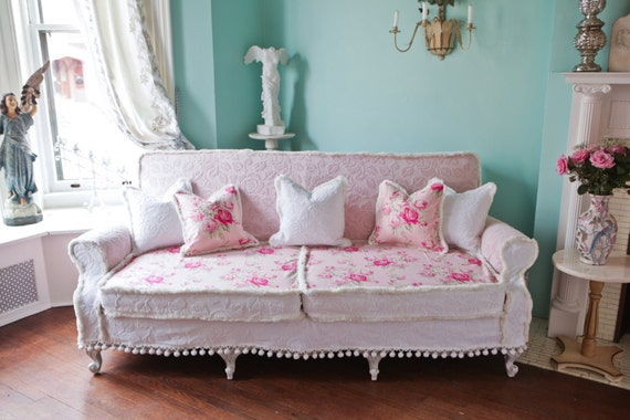 Shabby Chic Couch Sofa Cottage White Pink Antique Vintage