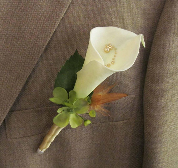 Custom listing for 4 Boutonnieres & 4 Pin On Corsages