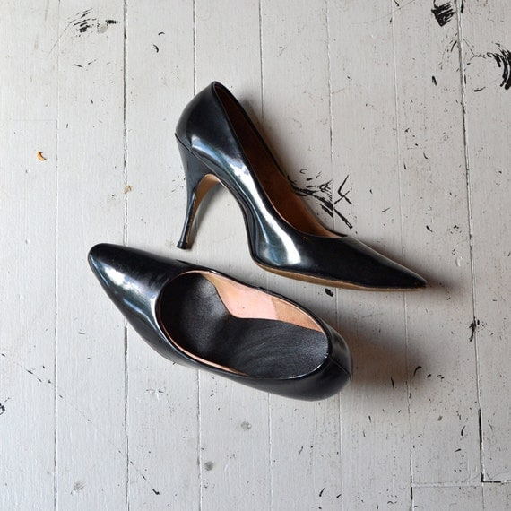 Only the Lonely heels / vintage 1960s shoes / patent leather 60s heels 6-6.5