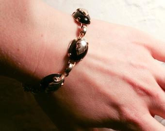 Black and Leaf Linked Bracelet