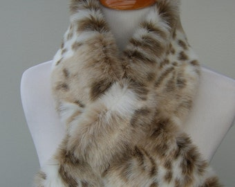 Faux Fur NECKWARMER Scarf with loop, Snow Leopard Faux Fur, Fur Neckpiece, Fur Collar, Women's Cowl