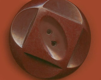 Vintage Gorgeous Carved Maroon Art Deco Button 32.91mm  BR2 2