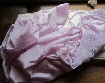 Vintage 1970s  Night Gown Lavender