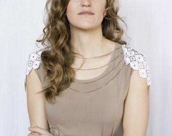 Body harness jewelry - Epauleta - White lace with bronze chain