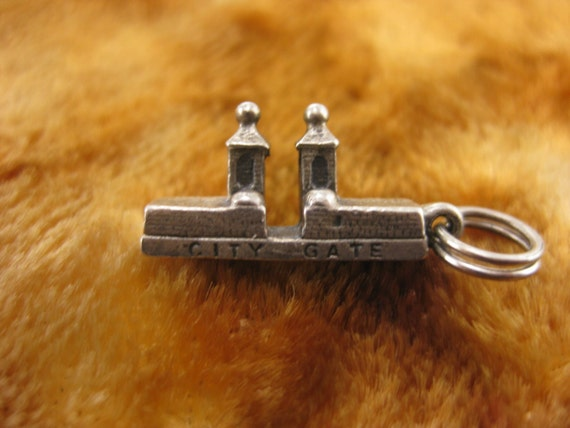 Charm - Sterling Silver - City Gate Charm - City Keep Sake - Pilars Enterance Charm - Travelers Charm - Good Luck Charm - 3D Charm