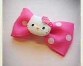 Small Pin Up-style kawaii polka dot hello kitty Hair clip, pink