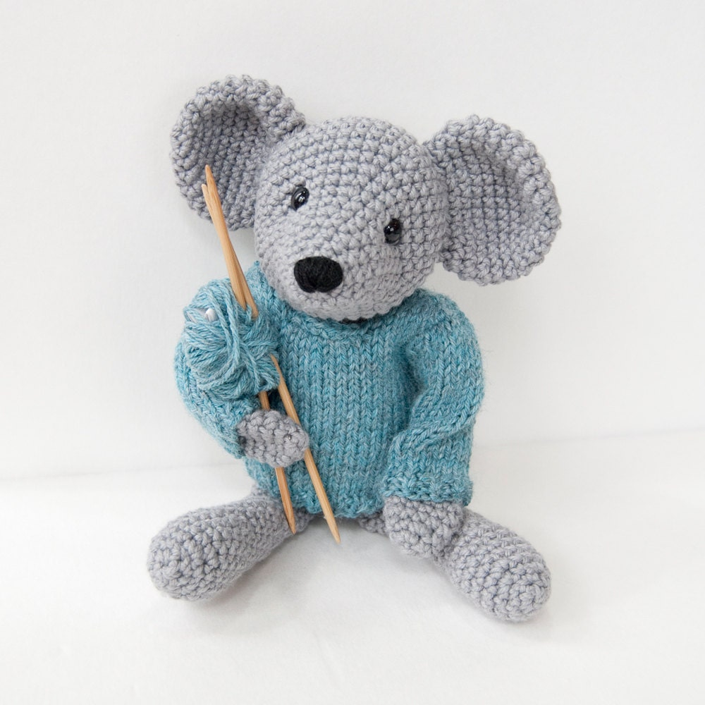 Amigurumi Patterns Free Mouse : PDF Crochet Pattern Amigurumi Mouse