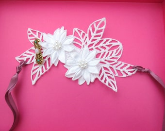 Budget Bride Vintage White lace cuff or hairpiece