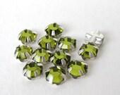 Vintage Bead Swarovski Crystal Rose Montees Olivine Green Sew On 5mm swa0400 (18)