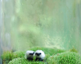 two tiny wool needlefelted sheep